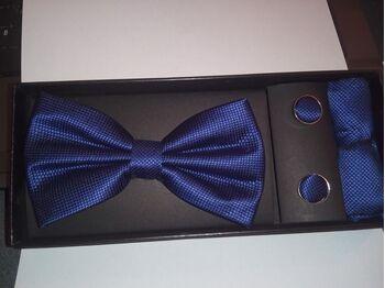Papion, butoni si batista culoarea albastru - model cu romburi